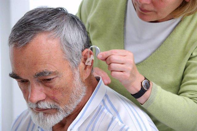 COMUNICADO: El 52% de los españoles con pérdida auditiva no utiliza audífonos po