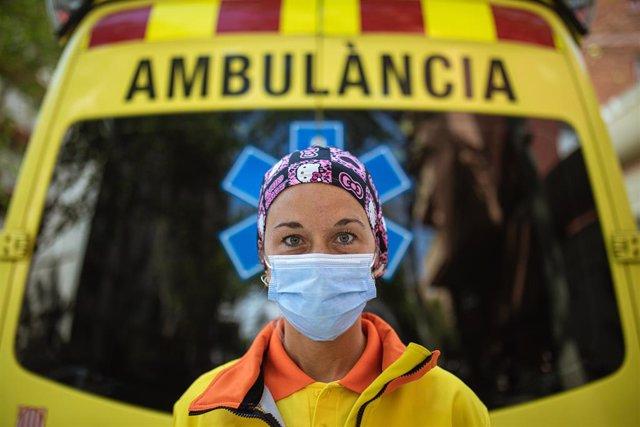 Una tècnica del Sistema d'Emergències Mèdiques (SEM) de la Generalitat de Catalunya.