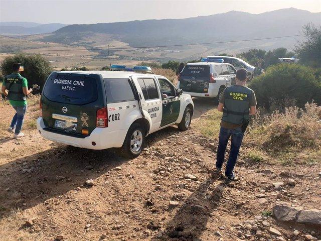 Agentes de la Guardia Civil en plena operación antidroga