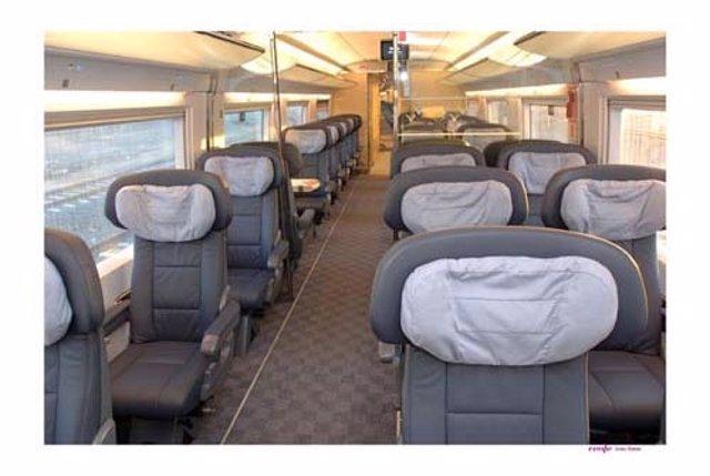 Interior de un coche de tren AVE de Renfe