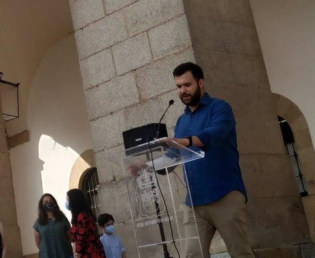 El alcalde de Cáceres, Luis Salaya, en una rueda de prensa