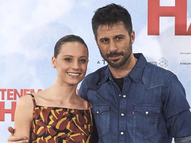 """Spanish actress Michelle Jenner and Spanish actor Hugo Silva attend the """"Tenemos Que Hablar"""" photocall at the Telefonica Flagship Store on February 24, 2016 in Madrid, Spain."""