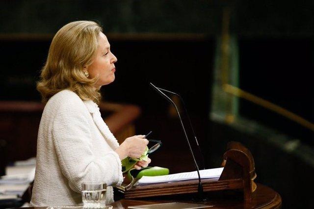 La vicepresidenta de Asuntos Económicos, Nadia Calviño, en el Congreso