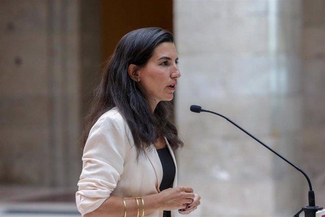 La portavoz de Vox en la Asamblea, Rocío Monasterio, ofrece una rueda de prensa tras su reunión con la presidenta de la Comunidad de Madrid, Isabel Díaz Ayuso.