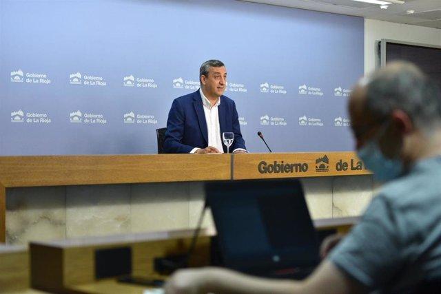 El portavoz del Gobierno, Chus del Río, en compacecencia de prensa