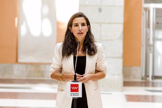 La portavoz de Vox en la Asamblea, Rocío Monasterio, ofrece una rueda de prensa tras una reunión con la presidenta de la Comunidad de Madrid, Isabel Díaz Ayuso.