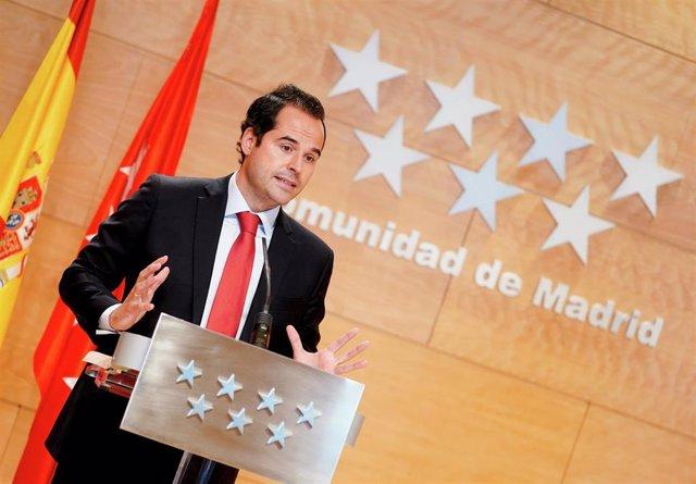 El vicepresidente de la Comunidad de Madrid, Ignacio Aguado, en rueda de prensa posterior al Consejo de Gobierno extraordinario sobre medidas adoptadas para la nueva normalidad en la región.