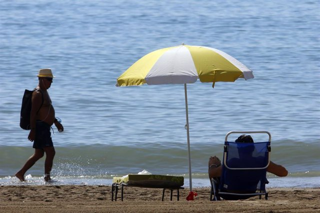 Los malagueños disfrutan de la playa