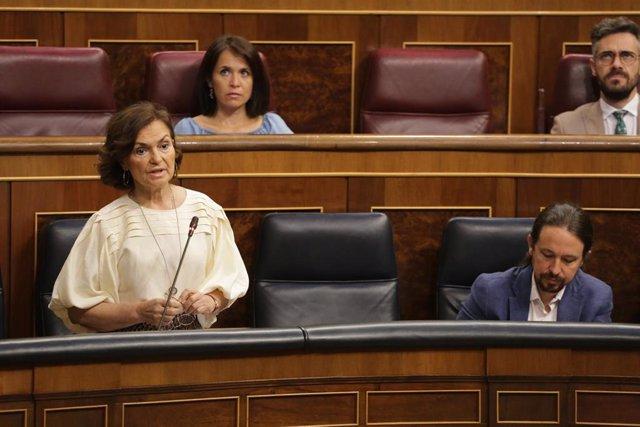La vicepresidenta primera del Gobierno, Carmen Calvo, interviene durante la primera sesión de control al Gobierno en el Congreso de los Diputados tras el estado de alarma, en Madrid (España), a 24 de junio de 2020.
