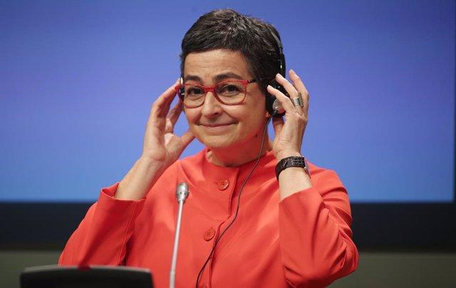 La ministra de Asuntos Exteriores, Unión Europea y Cooperación, Arancha González Laya, durante su intervención en la reunión con su homólogo, el ministro de Asuntos Exteriores de Hungría, Péter Szijjártó, en el Palacio de Viana, Madrid (España).