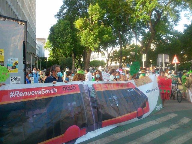 """Protesta por la """"tala"""" del tranvía"""