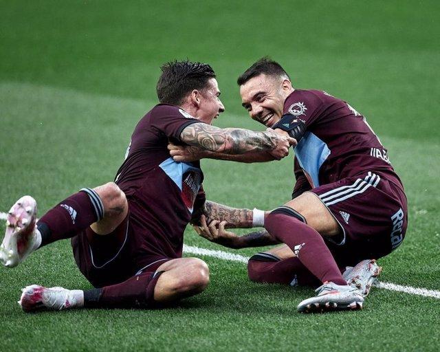 Iago Aspas y Santi Mina celebran el gol que dio la victoria al Celta ante la Real
