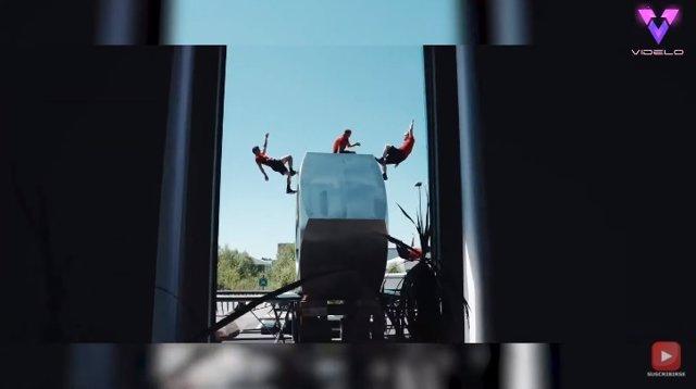 La tuerca más grande del mundo reúne a los acróbatas de DD Squad para realizar todo tipo de trucos y acrobacias