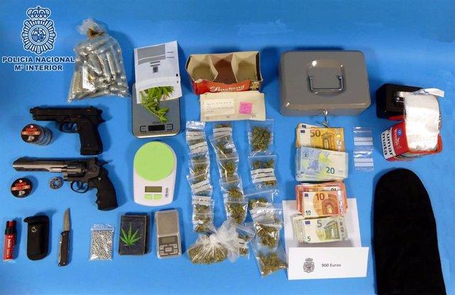 Desmantelado en Huesca un punto de venta de marihuana regentado por dos chicas de 18 y 17 años.