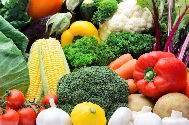 Experto aconseja una alimentación a base de verduras, frutas, hortalizas y lácte