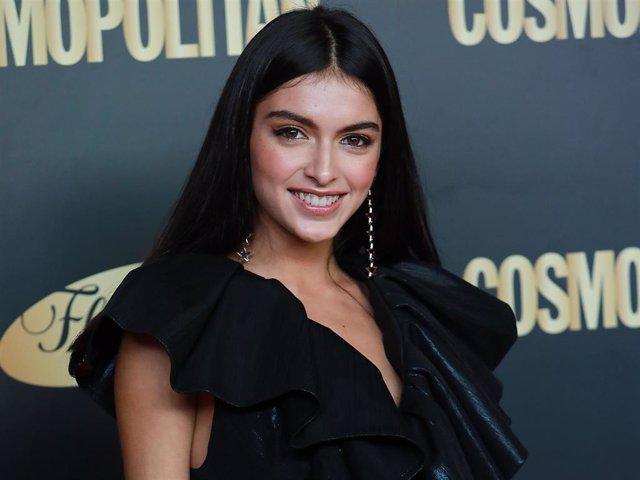 Lucía Rivera posa espectacular en una reciente entrega de premios