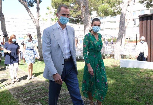 Coronavirus.- Los Reyes llegan a Palma en su primera visita a Mallorca tras la p