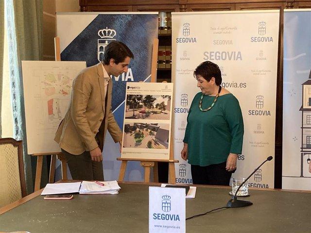 La alcaldesa, Clara Luquero, junto al concejal de Obras Miguel Merino.