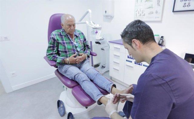 El 80% de los mayores necesitan cuidados de un podólogo
