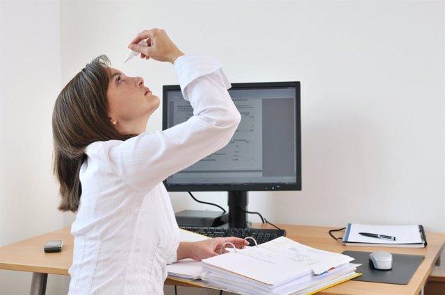 El 64% de las mujeres con menopausia presenta trastornos oculares, según un estu
