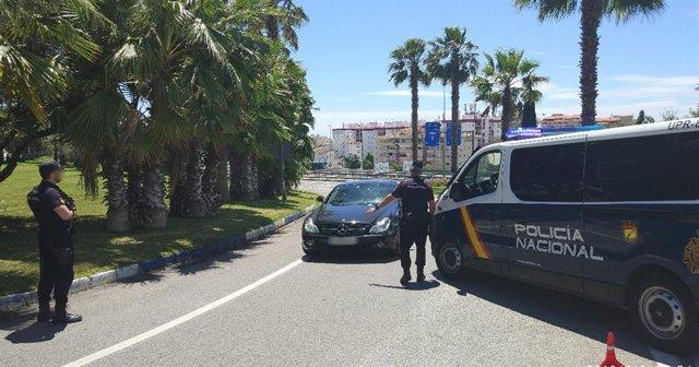Agentes controles Policía Nacional
