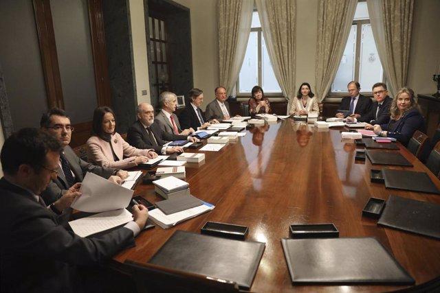 Reunión de la Mesa del Senado.