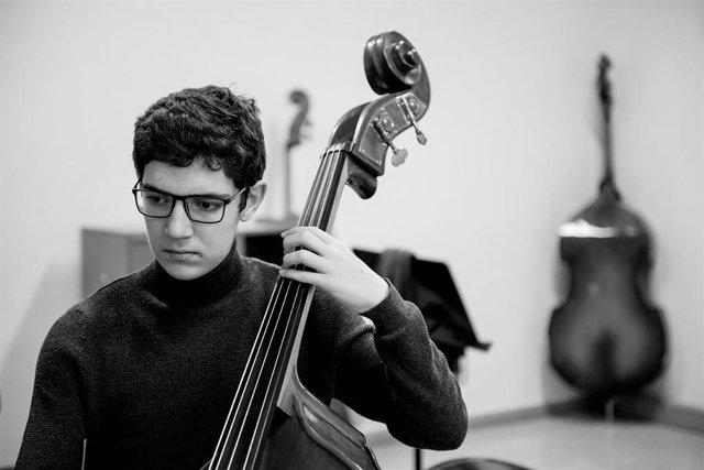 Fundación Grupo SIFU beca a 8 artistas de la música y de la danza para completar su formación. En la imagen, uno de los becados, Antonio Belmonte