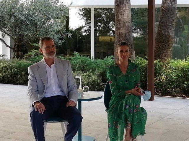 Los Reyes de España, Felipe VI y Doña Letizia, en el hotel Iberostar Cristina en Playa de Palma