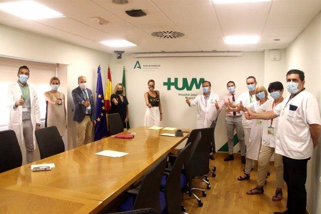 Firma del acuerdo entre el Hospital Universitario Virgen Macarena de Sevilla y la Fundación Sandra Ibarra