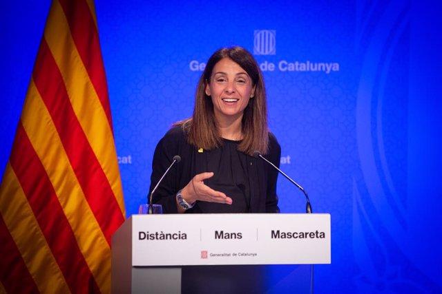 La consellera de la Presidència i portaveu de la Generalitat, Meritxell Budó, durant la seva intervenció en roda de premsa sobre l'impacte econòmic de la pandèmia en l'esport i com reactivar-ho, a Barcelona, Catalunya (Espanya), a 25 de juny de 2020.