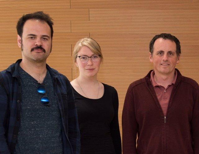 De izquierda a derecha, los investigadores del estudio Joao Barbosa, Heike Stein y Albert Compte.