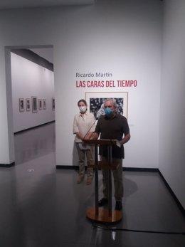 La Sala Santa Inés acoge la muestra fotográfica 'Las Caras del Tiempo', de Ricardo Martín, sobre personajes célebres de la historia reciente