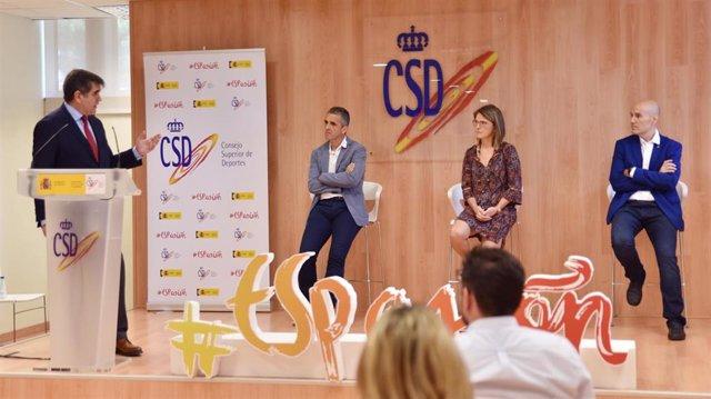 Joaquín de Arístegui, Director General de Deportes del CSD; Jon Irazusta, de la Universidad del País Vasco; Nuria Garatachea, subdirectora General de Mujer y Deporte; e Ignacio Ara, de la Universidad de Castilla-La Mancha.