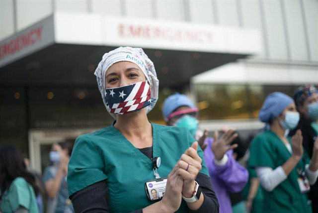 Una trabajadora sanitaria en Nueva York