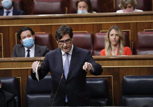 El ministro de Sanidad, Salvador Illa, responde a una pregunta durante la primera sesión de control al Gobierno en el Congreso de los Diputados tras el estado de alarma, en Madrid (España), a 24 de junio de 2020.