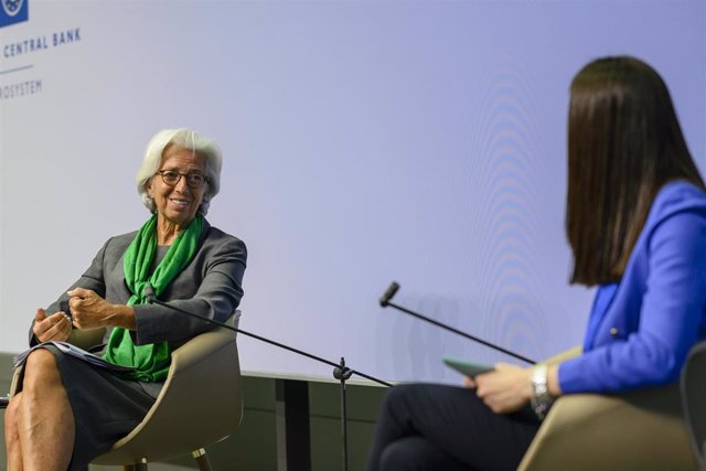 HANDOUT - 27 May 2020, Frankfurt: Christine Lagarde (L), President of the European Central Bank (ECB), speaks during an online Youth Dialogue for the European Youth Event 2020. Photo: -/European Central Bank/dpa - ATTENTION: editorial use only and only if