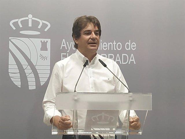 El alcalde de Fuenlabrada, Javier Ayala, durante una rueda de prensa.