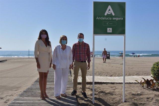 La delegada territorial de Turismo, Regeneración, Justicia y Administración Local en Málaga, Nuria Rodríguez, visita Fuengirola