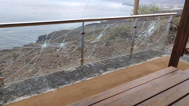 Mirador apedreado en la isla de El Hierro