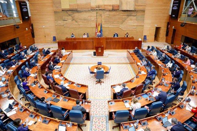 Vista de la Asamblea de Madrid durante la sesión plenaria en la que se debaten los planes de la Comunidad de Madrid ante el fin del estado de alarma, en Madrid, (España), a 18 de junio de 2020.