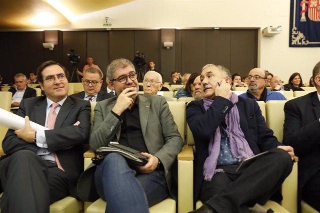 El presidente de la Confederación Española de Organizaciones Empresariales (CEOE), Antonio Garamendi; el secretario general de Comisiones Obreras (CCOO), Unai Sordo; y el secretario general de la Unión General de Trabajadores (UGT), Pepe Álvarez