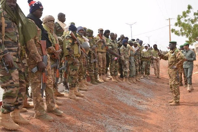 Soldados del Ejército de Malí
