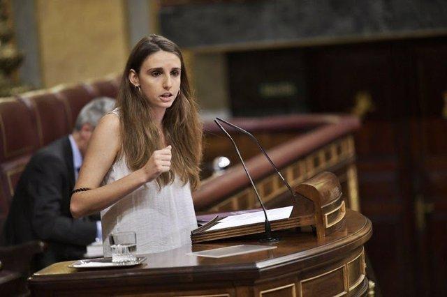 La diputada de Unidas Podemos por Baleares, Lucía Muñoz, interviniendo en el Congreso.