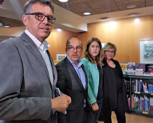 Lluís Recoder, Carles Campuzano, Marta Pascal, Esperança Esteve, presentando el libro de Campuzano 'Reimaginem la independència'