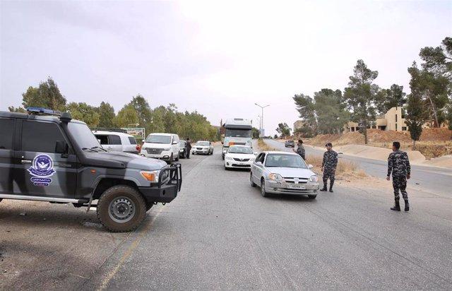 Puesto de control de las fuerza de seguridad libias en Tarhunah