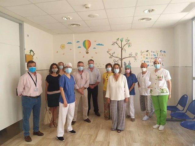 La delegada territorial de Salud y Familias en Sevilla, Regina Serrano, visita la Unidad de Atención Infantil Temprana de la provincia
