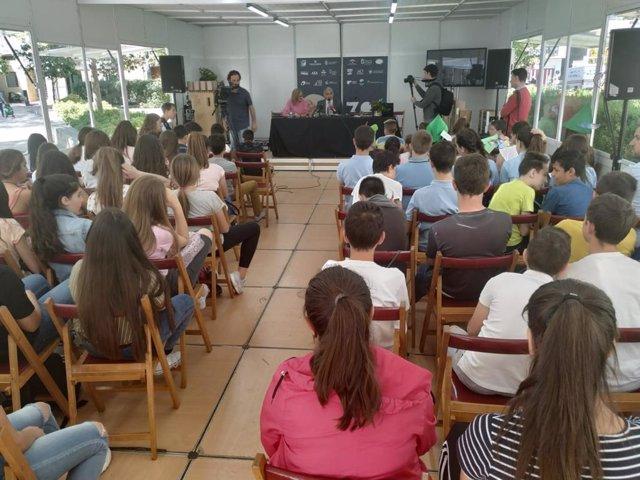 Alumnos participan en un maratón de lectura en Granada en 2019