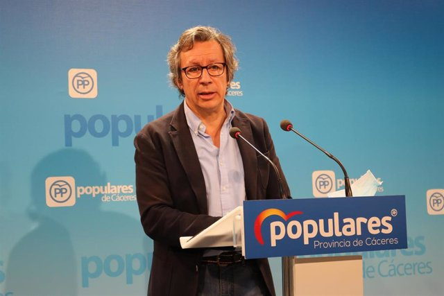 El senador del PP por la provincia de Cáceres, Carlos Floriano