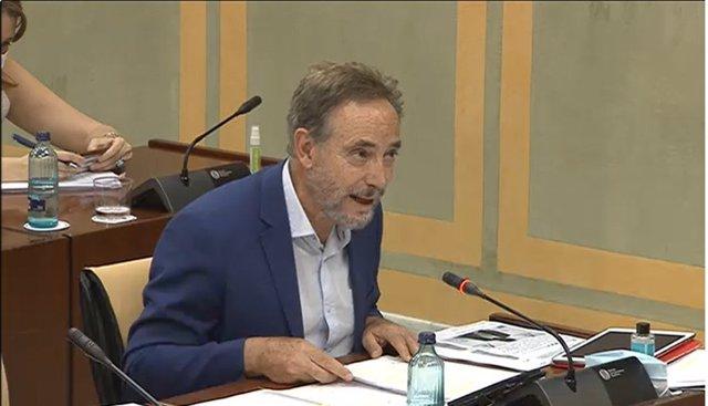 El parlamentario socialista Felipe López en la comisión de turismo, regeneración, justicia y administración local.