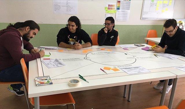 Un instituto de Guadalajara, entre los finalistas de los premios LIBERA Makers c